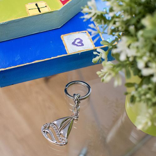 Rhodium plated alloy key ring, boat.