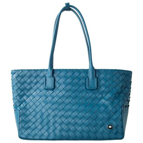 Τσάντα ώμου πλεκτή, μπλε ραφ οικολογικό δέρμα με μάτι από σμάλτο. Διαστάσεις 44x24εκ.