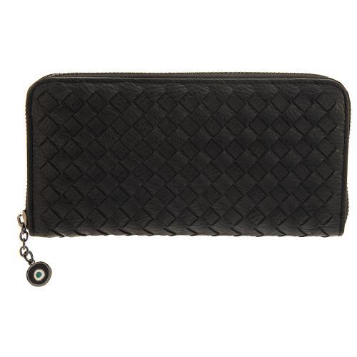 Μαύρο πορτοφόλι οικολογικό δέρμα, με σχέδιο πλέξης , μάτι από σμάλτο. Διαστάσεις 21x11εκ.