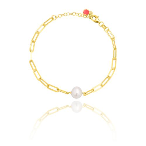 Yellow gold plated sterling silver bracelet, rectangle chain and pearl.