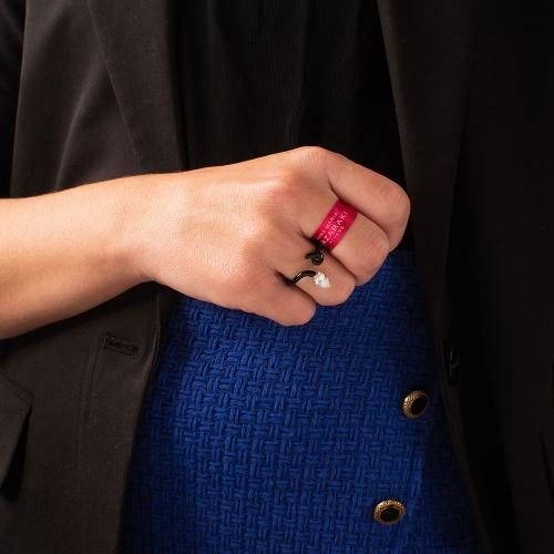 Δαχτυλίδι κίτρινο επιχρυσωμένο ασήμι 925, μαύρο σμάλτο και λευκό ζιργκόν.