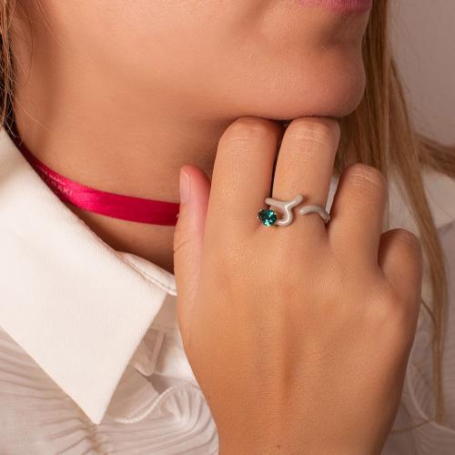 Δαχτυλίδι κίτρινο επιχρυσωμένο ασήμι 925, μπεζ σμάλτο και πράσινο ζιργκόν.